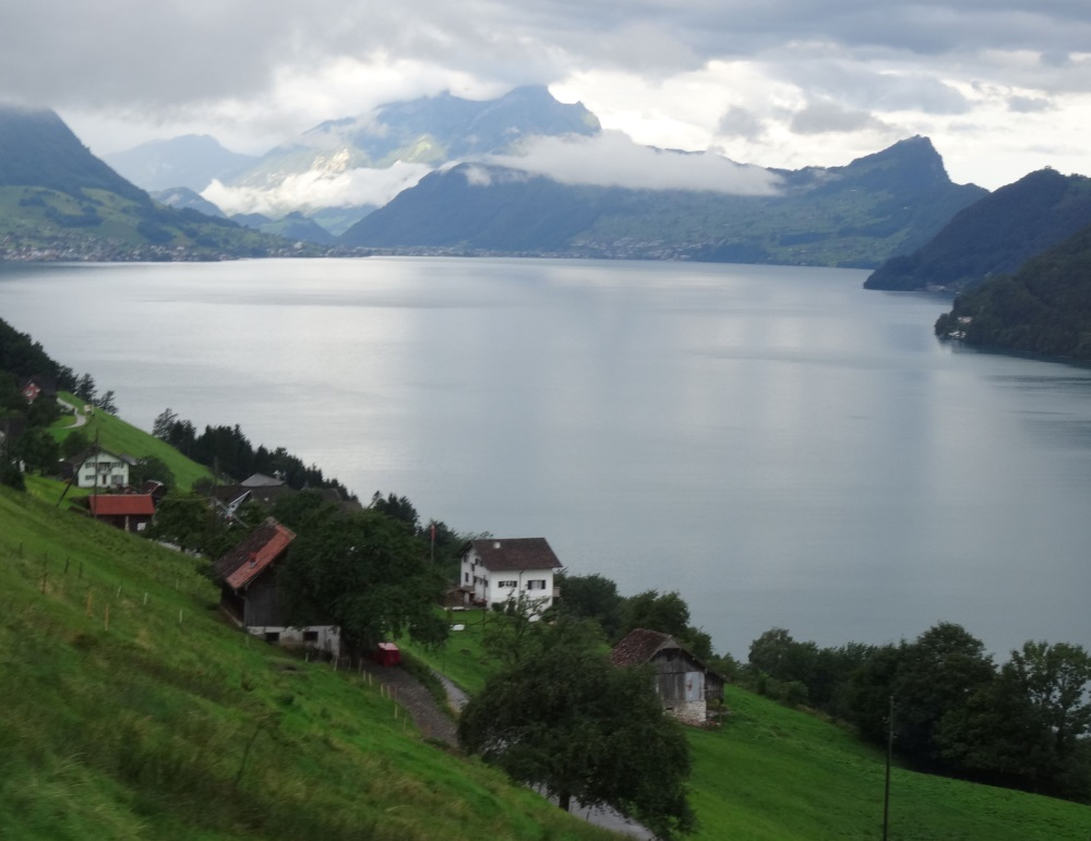 Le lac des 4 cantons vu du téléphérique