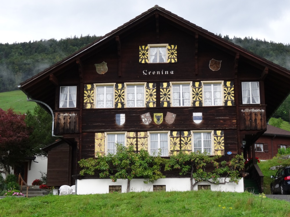 Toujours des maisons décorées